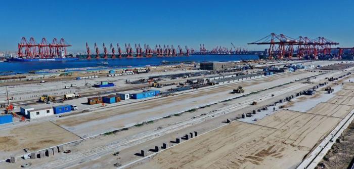 河北省首个全自动集装箱码头加紧施工