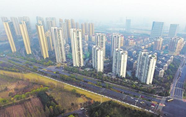 45城卖地均超百亿元,杭州947亿元成卖地收入最高城市