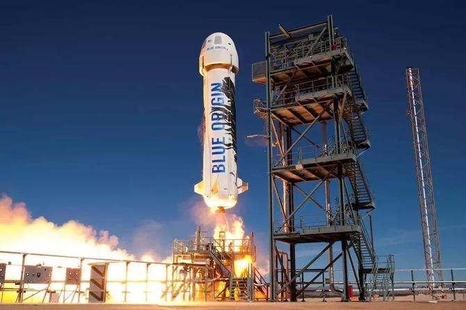 蓝色起源成功发射私人火箭 将载人太空旅行
