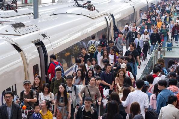 清明全国铁路发送旅客5400万人次,同比增长9.9%