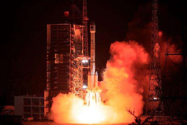"""46颗导航卫星""""混合战法"""",中国北斗部署全球导航大棋局"""