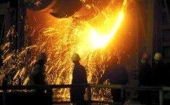 """中国钢铁行业脱""""困"""" 企业效益持续好转中国钢铁工业协会秘书长刘振江31日在北京表示,前三季度中国钢铁行业运行取得了多年未有的平稳态势,企业经济效益持续好转。    今年前三季度,全国生产生铁、粗钢和钢"""
