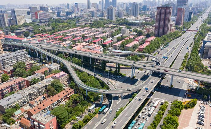 山东省上半年生产总值41823.3亿元,增速5.4%
